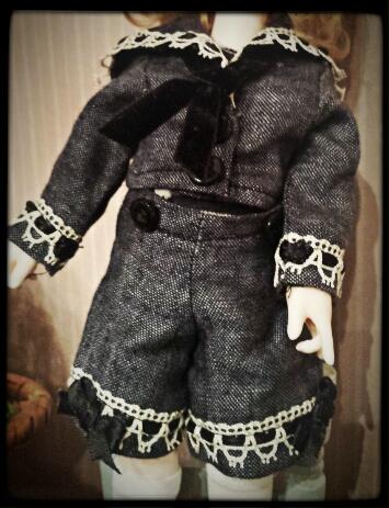 Cours de couture autour des BJD et autres poupées, à Tours ! Cours_costume_marin